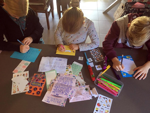 kids-writing-letters